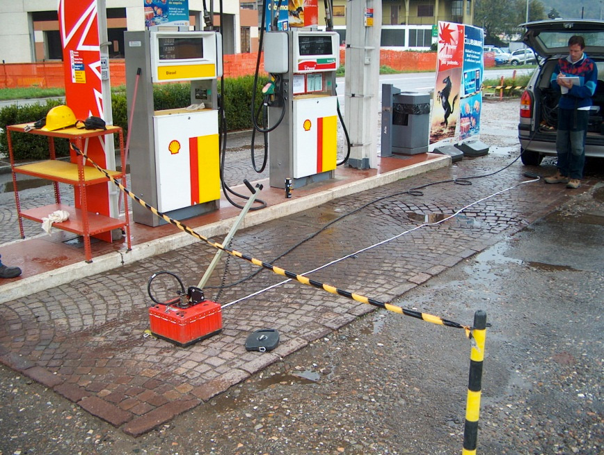 Soil and groundwater contamination research due to petrol stations spills accidents