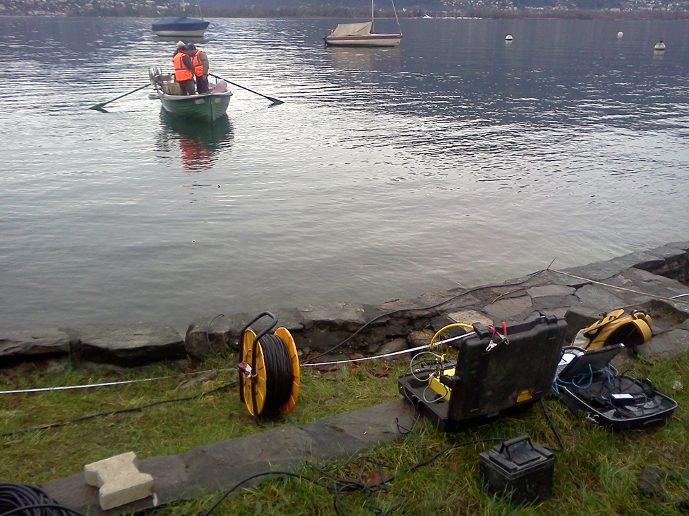 Seismic in shallow water for seabed lake studies